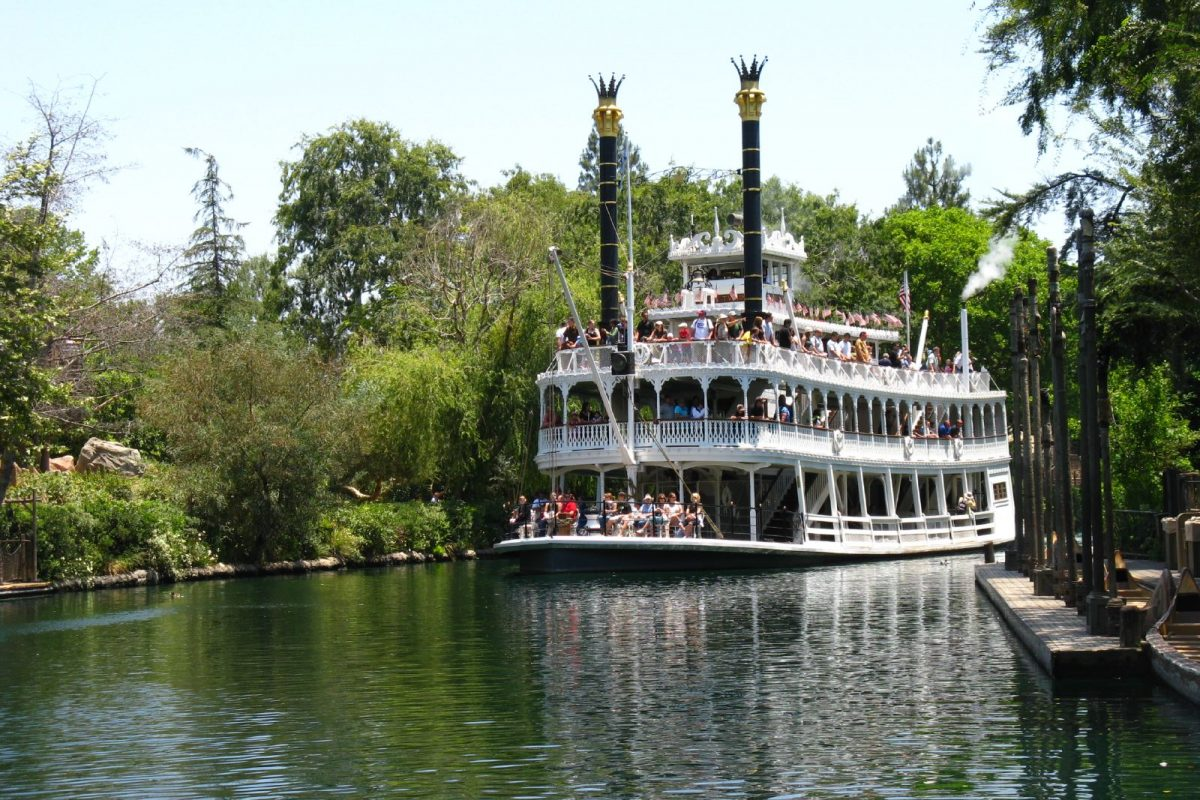 Places to Take a Break at Disneyland: Top 6 Spots